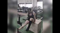 Exercise 2 leg cast